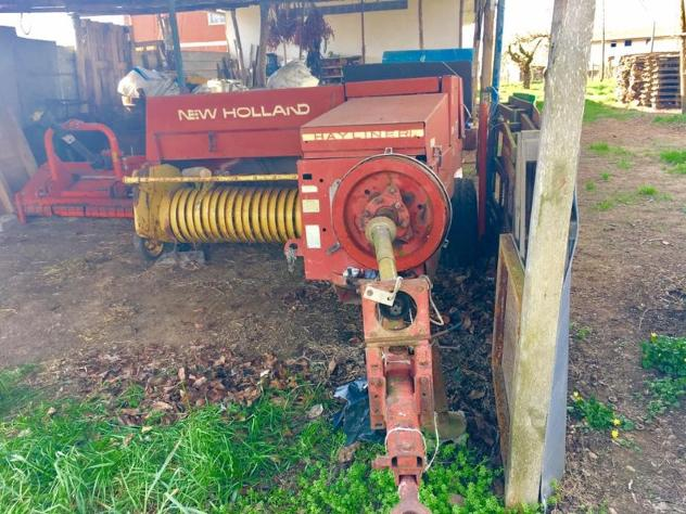 Macchine agricole NEW HOLLAND Pressa newholland 370