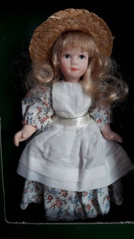 Bambola in Porcellana Doll's House Collection