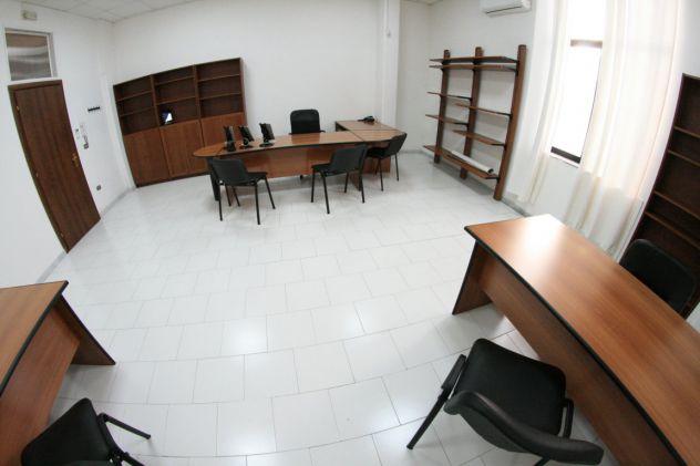 Ufficio arredato fino a 6 persone con posti auto, open space. - Foto 3