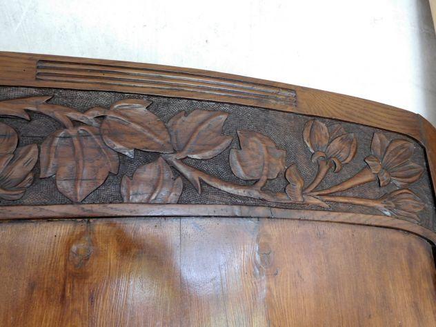 LETTO LIBERTY primi 900 in legno massello scolpito a motivi floreali