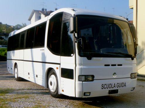 Autocarri C1 e bus10,6mt minibus D1 usati rimorchio