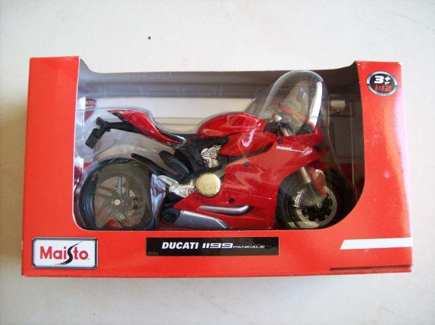 Ducati 1199 Panigale modellino scala 1:12 - 30€