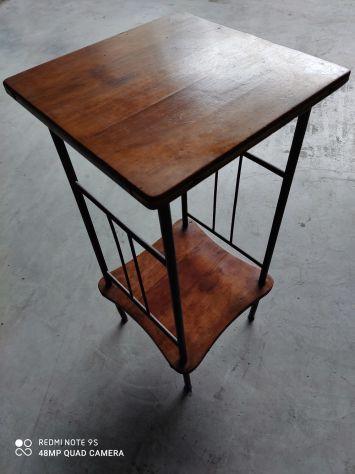 Tavolini ( due ) + base per lampada ( antico candeliere)