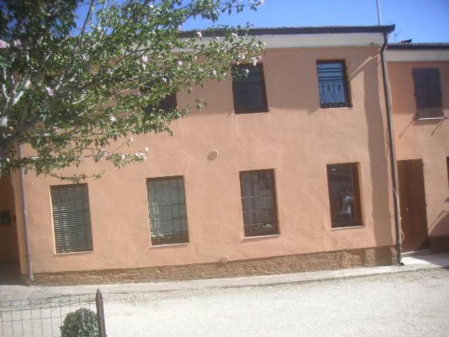 villa a schiera CENTRO STORICO COMOD mq 120 Euro 99 - Foto 2