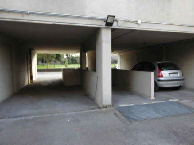 Posti auto coperti di varie superfici tra Via Turati e Via Mentana  a Terni - Foto 3