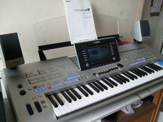 Tastiera Tyros 4