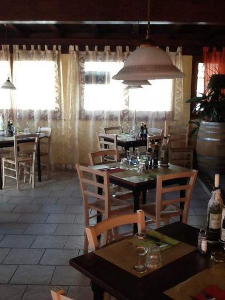 Sedie e Tavoli Ristorazione: 3 Tavoli 12 sedie Nuovo AFFARE