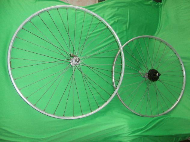 coppia vecchie ruote corsa ATOM