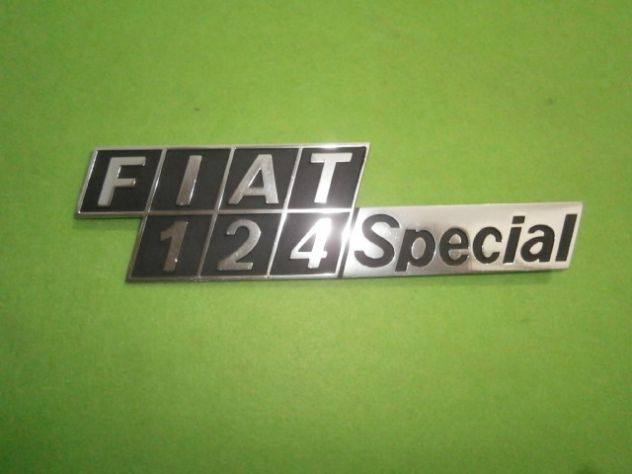 Scritta logo targhetta posteriore Fiat 124 Special in metallo NUOVA