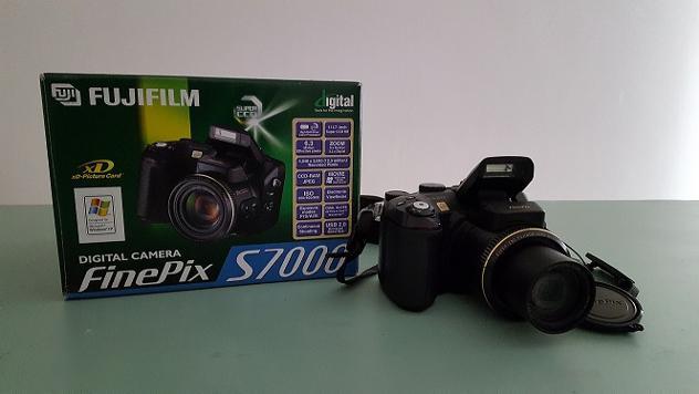 FOTOCAMERA DIGITALE FUJIFILM FinePix S7000 Usato Euro 280 - Foto 2