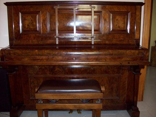 Pianoforte antico in radica