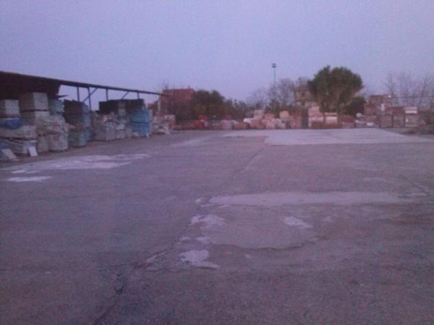 in affitto Privato capannone statale 106 mq 2000 - Foto 4