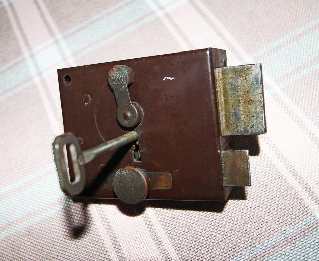 ANTICA SERRATURA DA APPLICARE con chiave - FUNZIONANTE - Foto 3