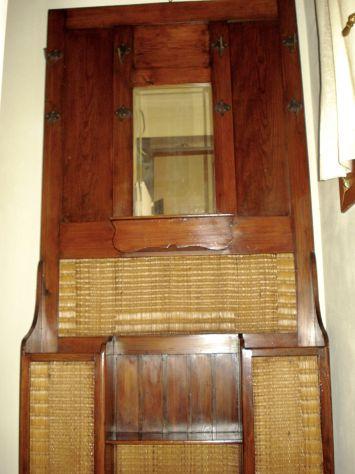 APPENDIABITI primi 900 Liberty originale in ciliegio massello, restaurato