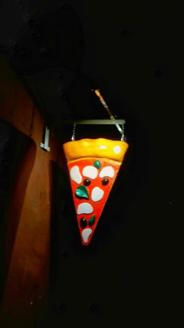 Insegna 3D: spicchio di pizza a bandiera in vetroresina luminosa a POTENZA - Foto 3