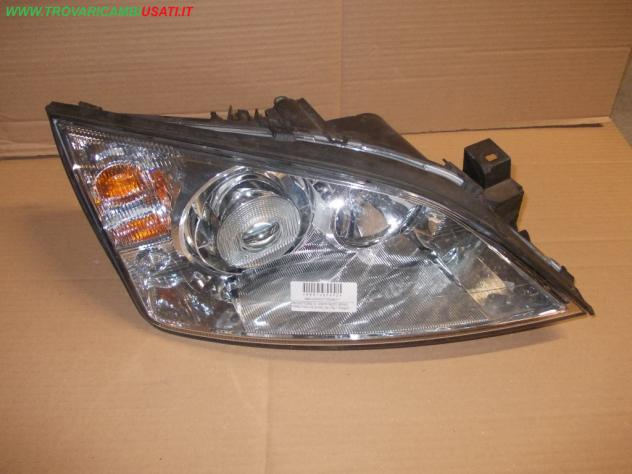 PROIETTORE D. 0301174272 XENO FORD FOCUS (CAK) 3p / 5p / Wagon