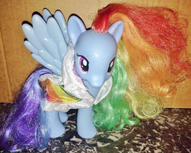 Hasbro G4 My Little vola mio mini Pony Rainbow Dash completo bambola collezione
