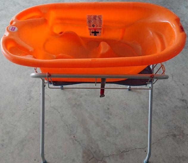 Vaschetta per bagnetto Okbaby Onda arancio con stand