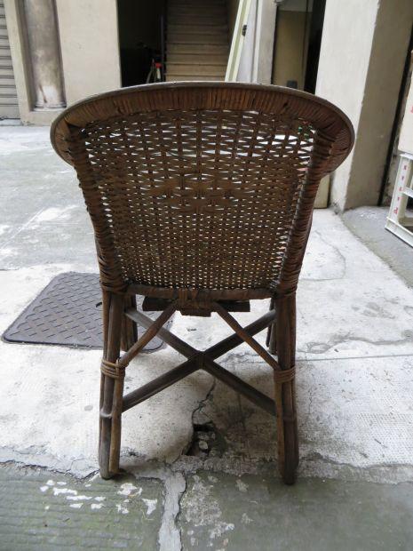 Vecchia sedia vimini