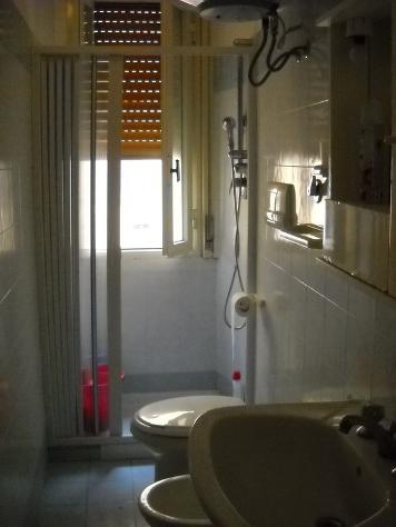 posto letto in stanza indipendente zona provinciale mq 50 affitto Euro 165 - Foto 9