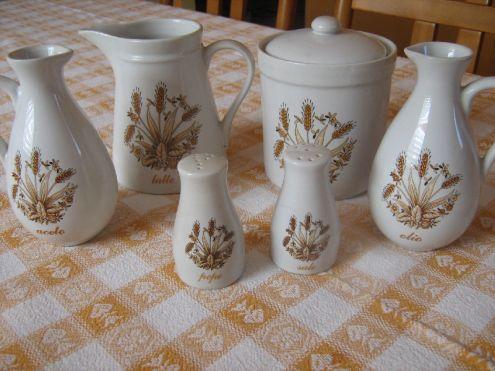 Servizio tavola in ceramica