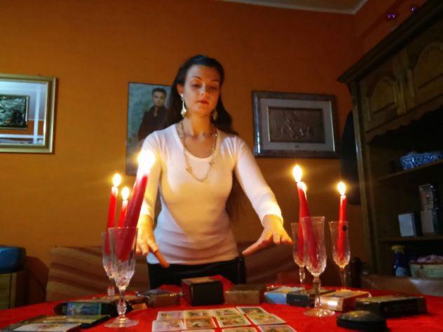CHIAMA AL 389.4989052...LEGAMENTI IN BREVE TEMPO...CARTOMANTE SENSITIVA ESPERTA - Foto 4
