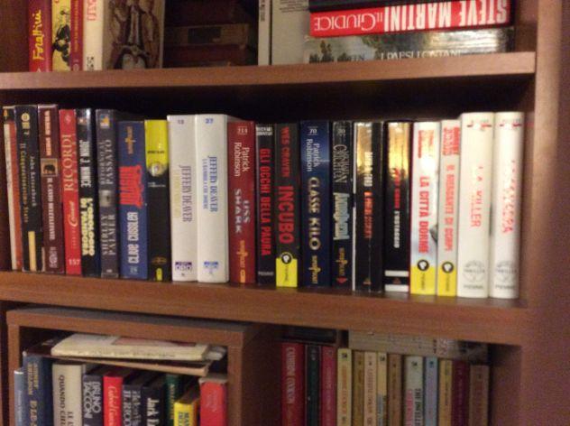 Moltissimi libri