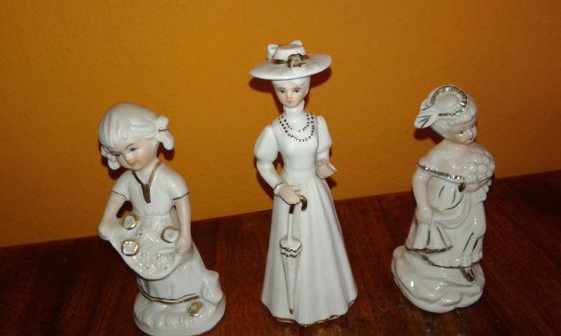 Statuine in porcellana bianca 3 pezzi marcate (1 capodimonte)