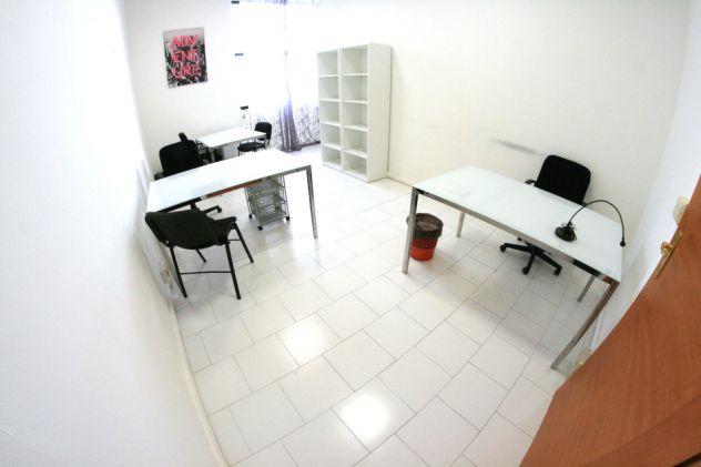 Ufficio Arredato Panoramico Per 3 Persone Con Posti Auto Annunci Napoli