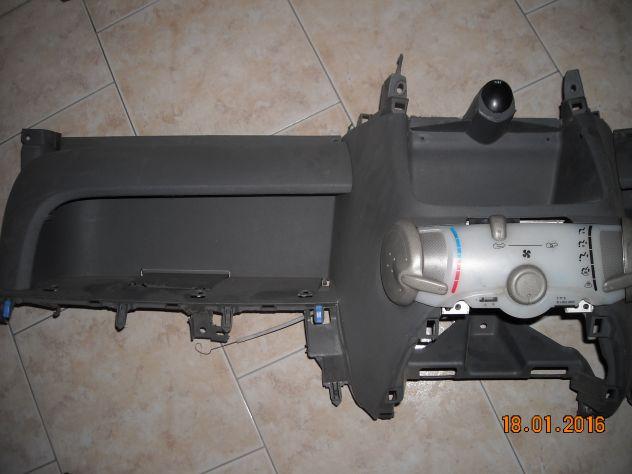 peugeot 107 2006 plastica cruscotto - Foto 2