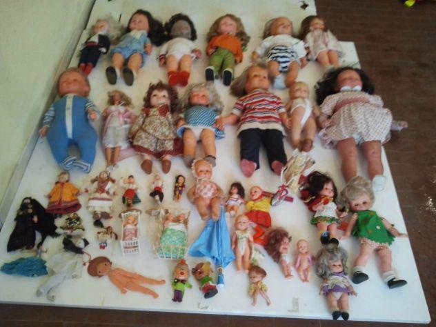 Bambole vecchie Giochi di Latta Robot Furga Lenci Bonomi barbie