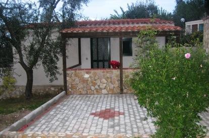 Villino Bilocale indipendente con piscina , offerta bassa stagione