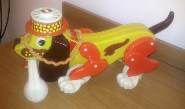 Giocattolo soprammobile cagnolino colorato con telefono anni