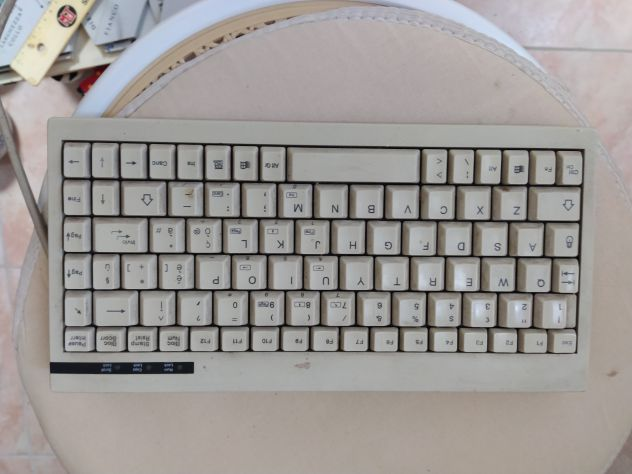 R85-  MINI TASTIERA PER PC