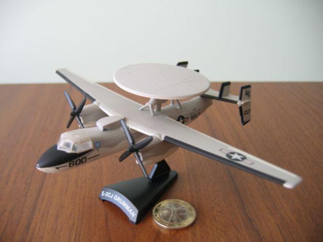 Aerei Militari De Agostini E-2CJ GRUMMAN
