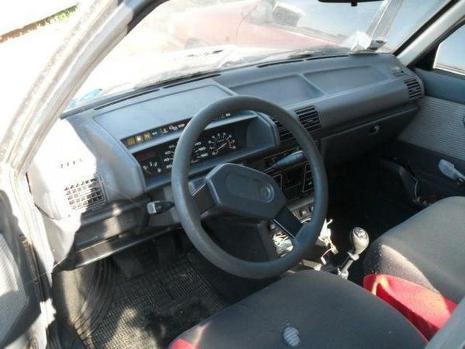 Peugeot 305 - Foto 4