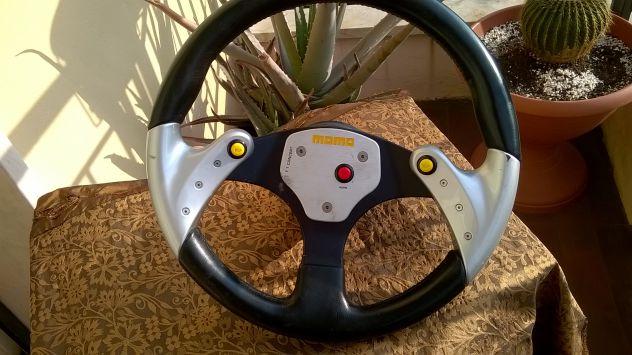 VOLANTE RACING MOMO F1 Concept con 3 pulsanti - Foto 2