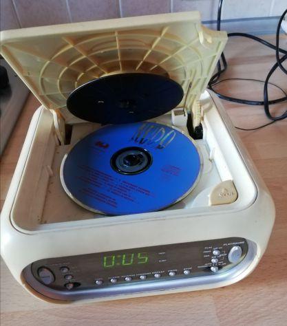 RadioSveglia Dual AM/FM Stereo con lettore CD.