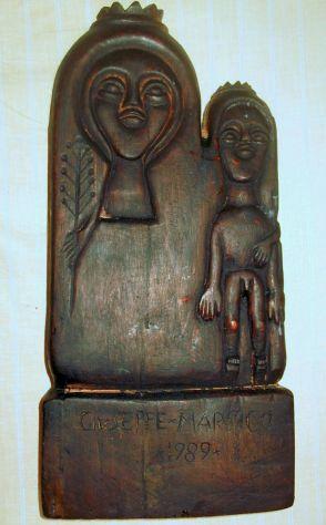 Scultura arte primitiva in Mogano: Madonna nera con bambino.
