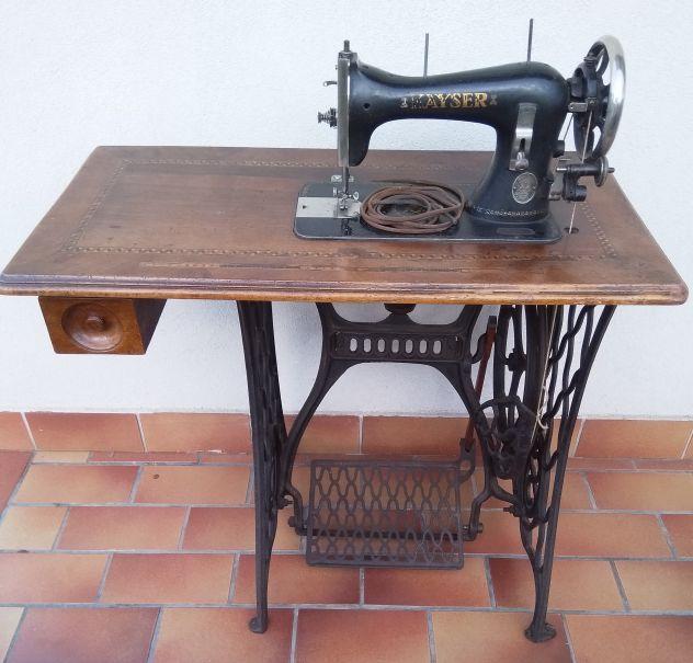 Macchina da cucire Kayser antica