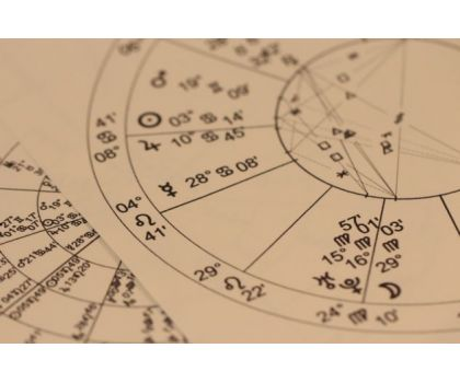 Arwynn - Cartomanzia e Astrologia - Foto INF -