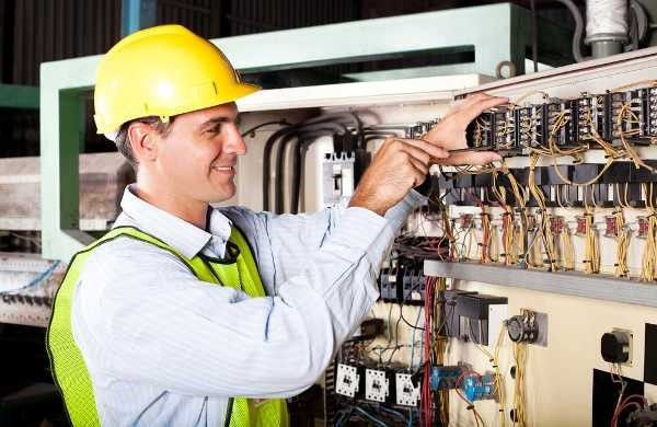 Corso Professionale di Elettricista a FERRARA