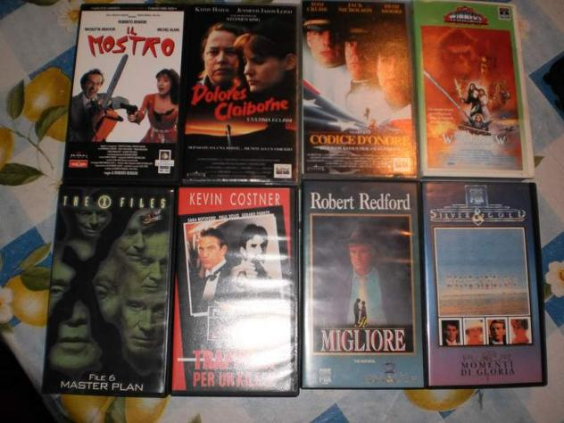 22 Videocassette originali