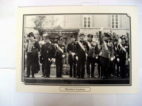 Riproduzione foto a Livorno titolo-MUSSOLINI IN ACCADEMIA- serie-ANNI DI GUERRA