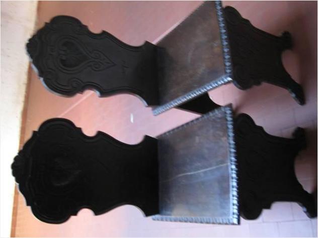Coppia di sedie stile quattrocento