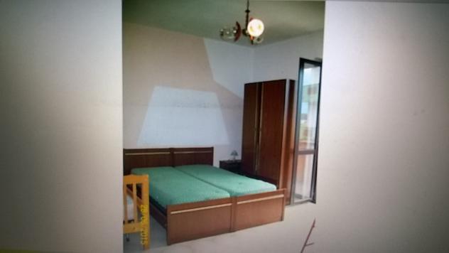 Camere da letto completa usata mobile comidini giroletto materassi ...