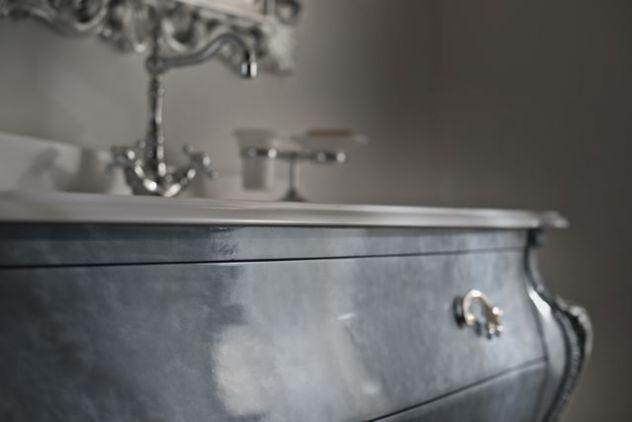 Mobile bagno Bombato stile barocco intagliato con Swarovski ...