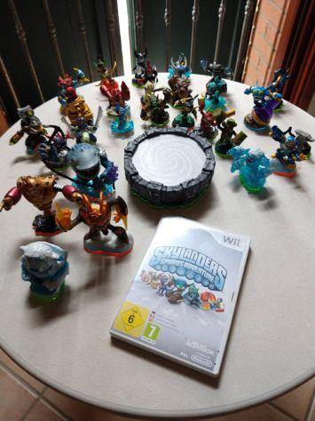 Gioco Skylanders Spyros Adventure, accessorio e Skylanders