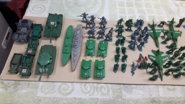 Soldatini in PVC vintage.