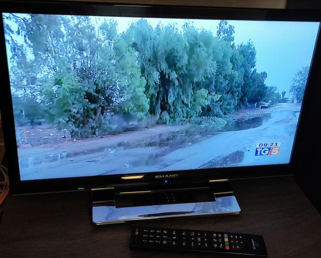 Vendo TV  SHARP HD 24